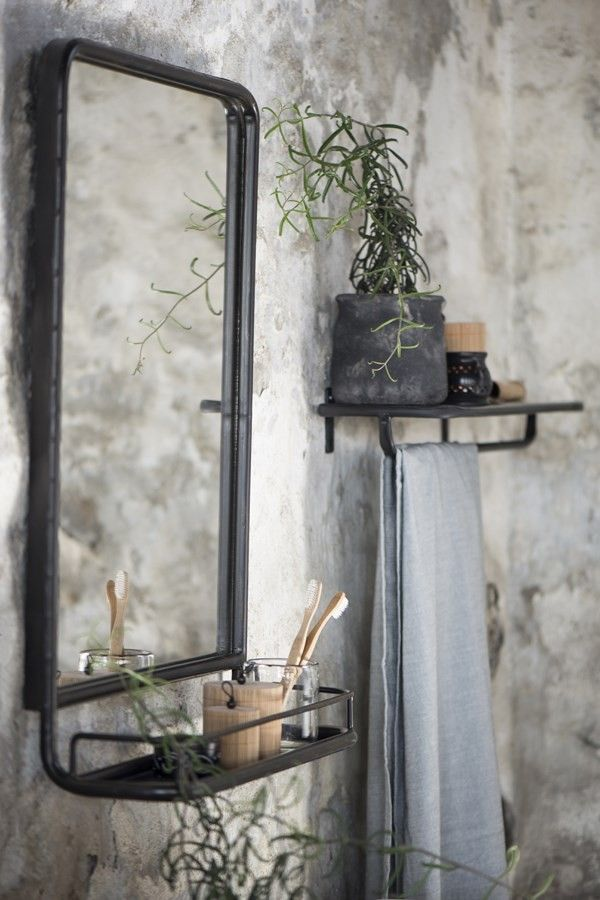 25 beste idee n over spiegel wastafel op pinterest make up kamer decoratie dressing room - Metalen spiegel ...