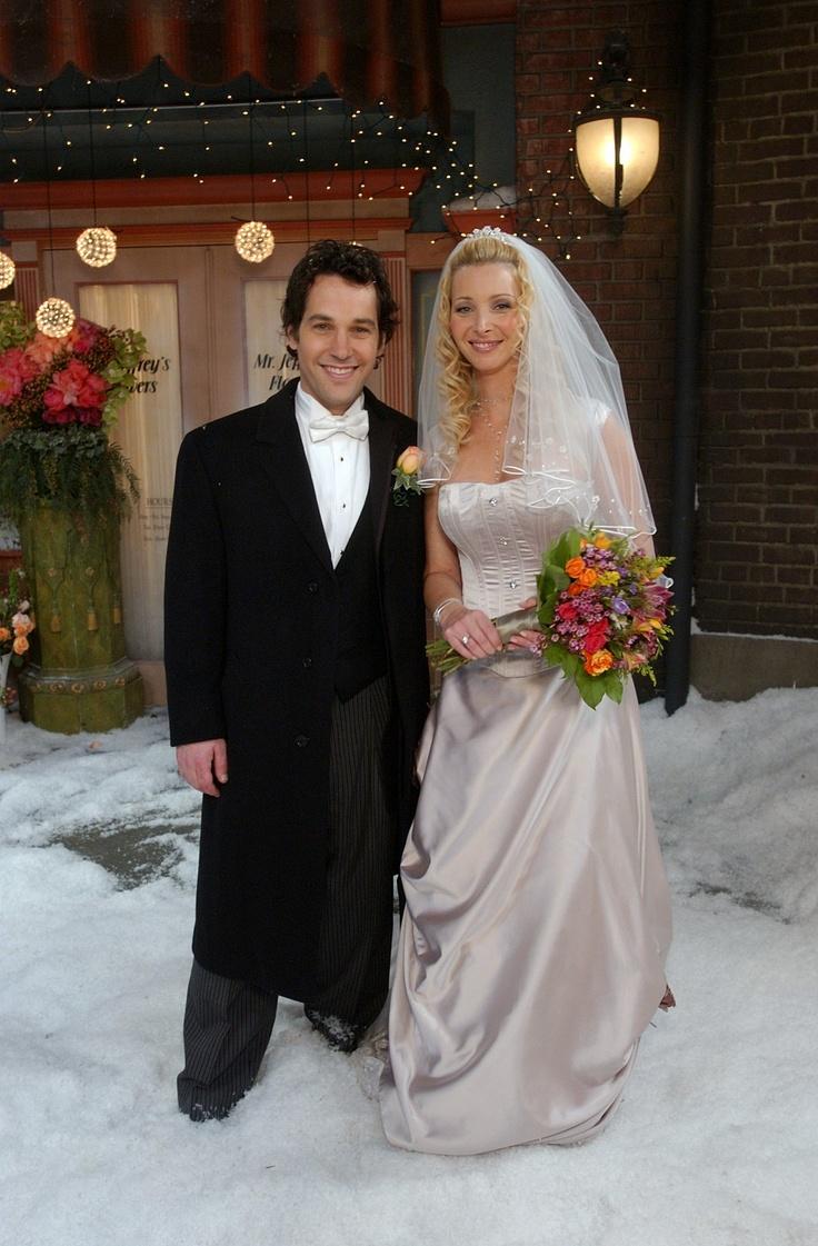 phoebe wore a rani totman wedding dress when she was