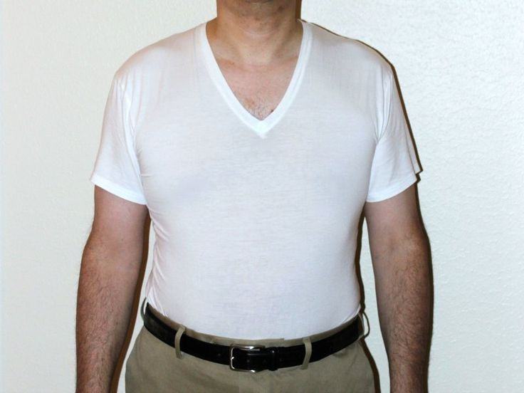 Ideal undershirts for men should be made of a material that is soft and comfortable. Cotton is one of the materials that are naturally gentle. When used in making undershirts, it is normally highly polished. This makes it feel very smooth and soft against the skin. Materials that are synthetic on the other hand, are very rough. This means that they will always end up rubbing against your skin and irritating you.