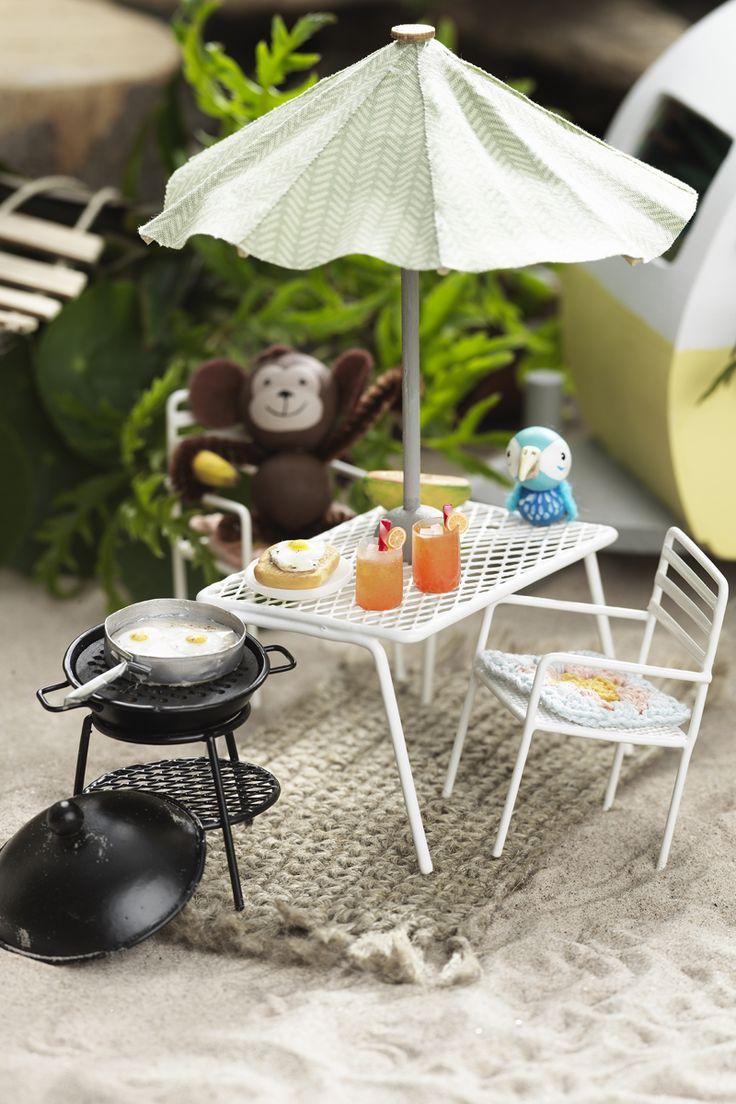 Camping miniature monkeys www.panduro.com DIY, caravan, animal, beach, fimo, clay, wooden figures, camping, miniatyrer, mini, lera