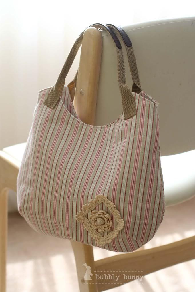 ikea fabric + crocheted applique = beautiful bag by Piggy