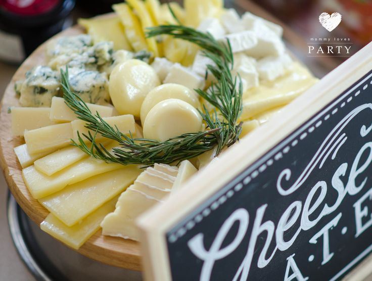 Cheese plate for Movie theme party as surprise for Him, Movie on the lawn, Вариант оформления сырной тарелки для праздника. Вечеринка-сюрприз для мужа.