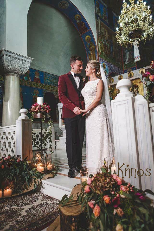 deep red wedding decoration