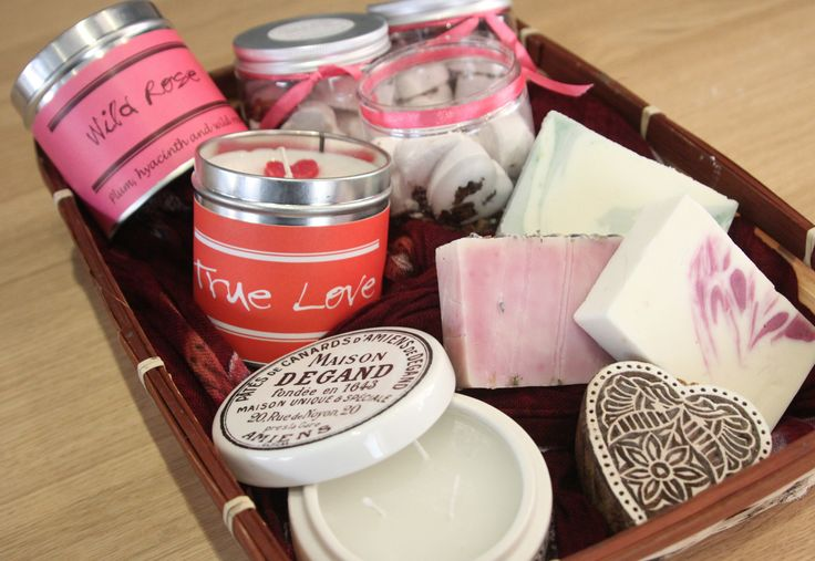 A box selection of nice smelling things to improve you day, from Wick-ed, We Make London, Forms, Read the label & Araucaria. Don't you want one.