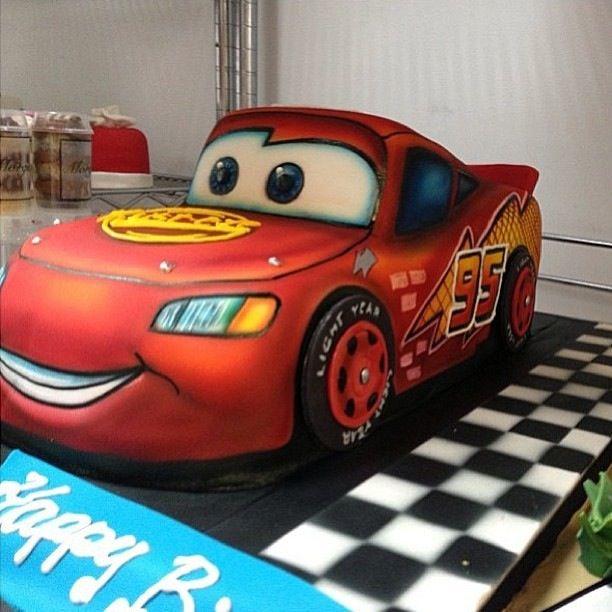 Cars cake. Disney Cars. Lightning McQueen.