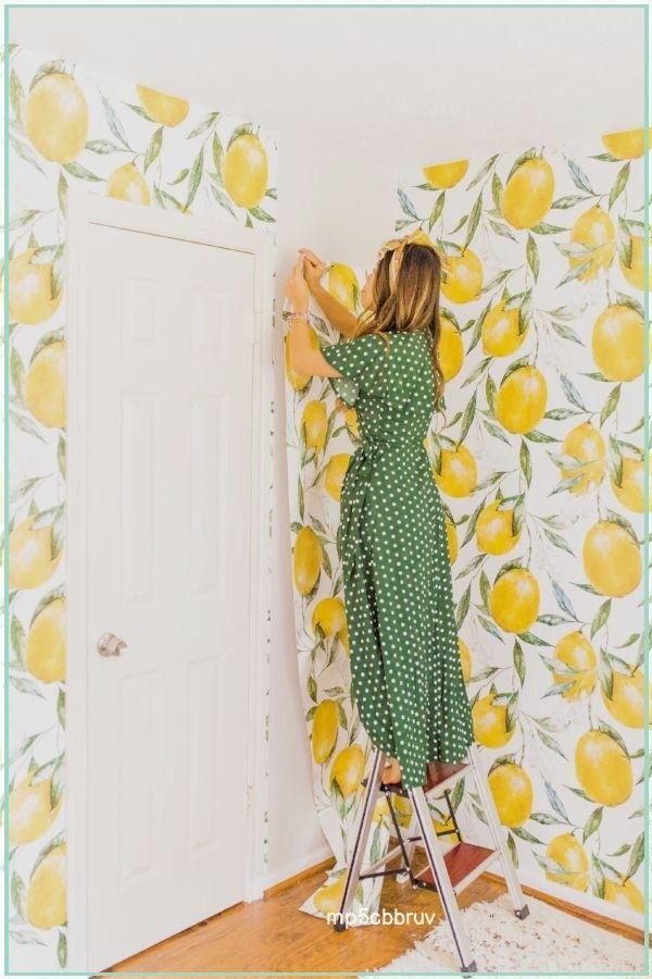 Guest Room Makeover You Can Do Over The Weekend With Lemon Wallpaper Joyfully Green Ideas Decoracion Dormitorios Papel Pintado Cocina Dormitorios