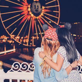 Best friend Disneyland picture