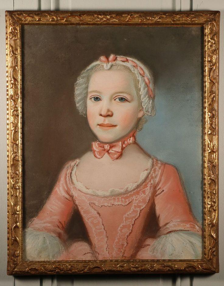 Brochure Délicats portraits de Marie, Marguerite, Julie De Calmesnil âgée de 4 ans et 1 mois et de son frère Gedeon, Charles, Désiré De Calmesnil âgé de 5 ans et 9 mois. Le nom, l'âge des enfants et la date d'exécution (le 22 février 1752) sont inscrits à la plume au revers. Le cadre date …