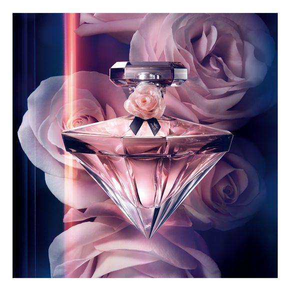 La Nuit Trésor Caresse - Le nouveau parfum Lancôme