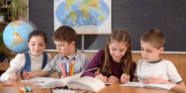 Waarom het schadelijk kan zijn om peuters en kleuters te leren lezen
