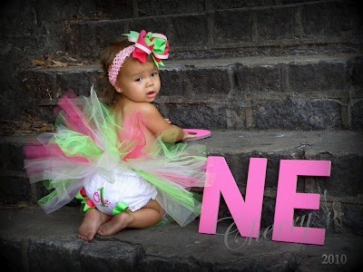 My Aunt just found this........my baby girls 1st birthday photo has been pinned on pinterest!!