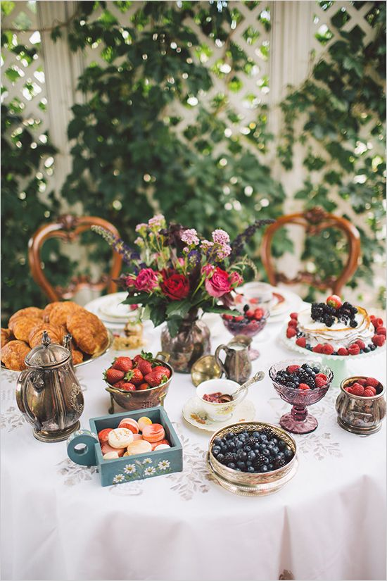 Beautiful boho breakfast wedding. Captured By: Kelsea Holder Photography #weddingchicks http://www.weddingchicks.com/2014/09/23/breakfast-wedding/