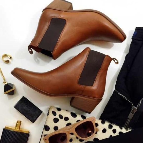 "Dune London Pointed Chelsea Boots Details: • Size 6 • Chestnut leather with black elastic  • 1"" heel • Brand new in box  11091501 Dune London Shoes Ankle Boots & Booties"