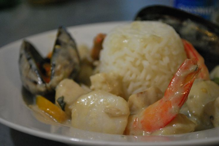 Green seafood curry with Queensland scallops, Cobia fish, South Australian Mussels and Shark Bay King prawns. #curulli's