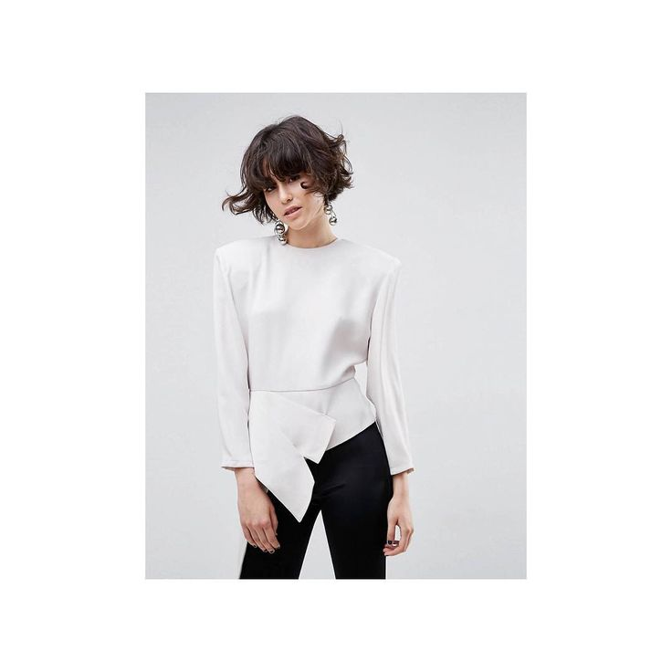 Obsessed *adds to basket* 😍 [1062840🔍] #weekendplanning #asos #asoswhite #ootd #ootn #shoulderpad #fashion #trend #AW17