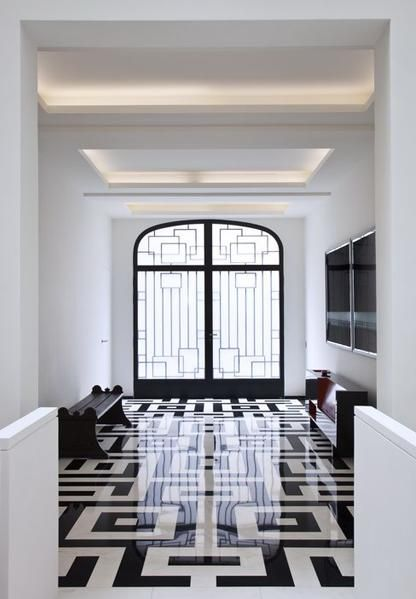 graphic black + white flooring