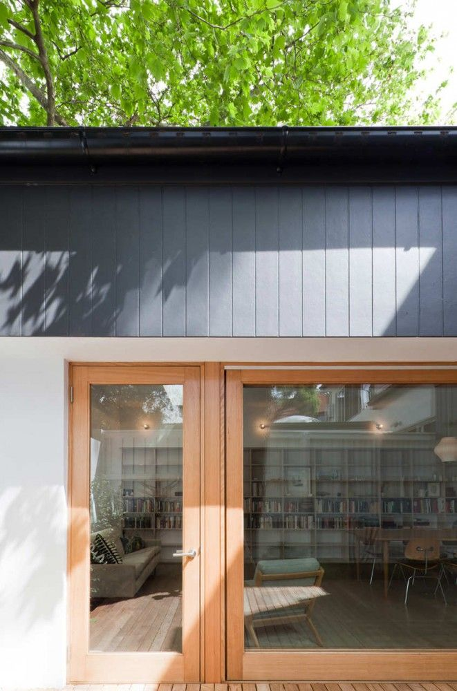 House Eadie_Tribe Studio Architects Mixture of grey weatherboard, off white render and that exact stain of timber.