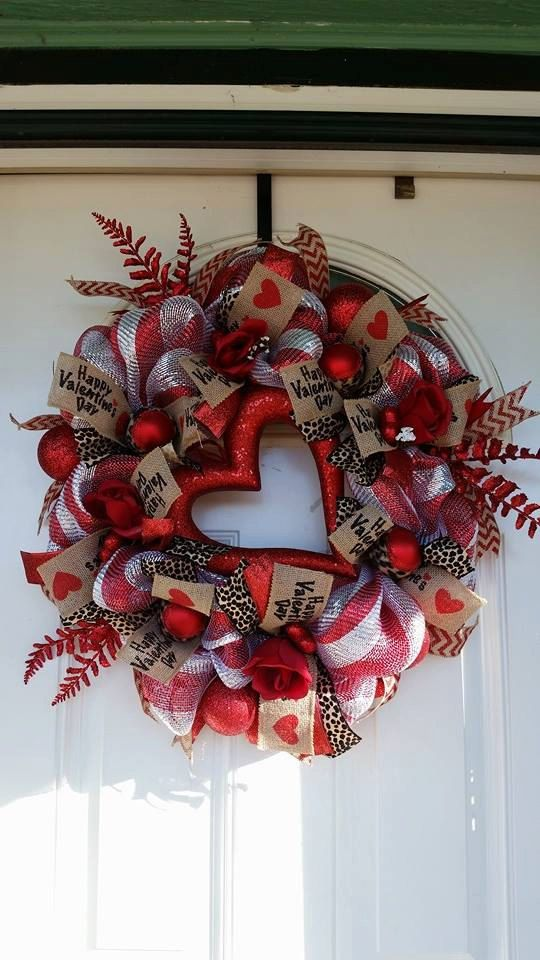 Hey, I found this really awesome Etsy listing at https://www.etsy.com/listing/219945317/valentines-day-wreath-made-out-of-reds