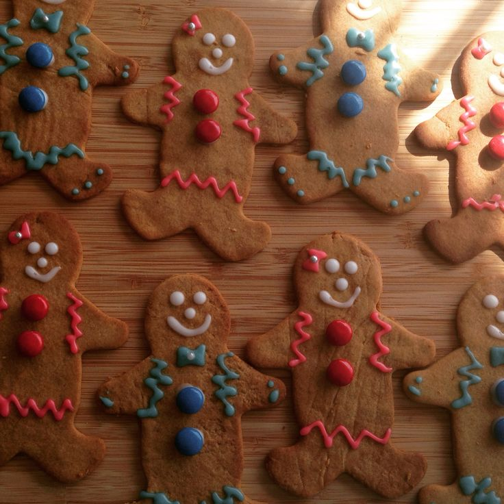 Boy girl gingerbread men