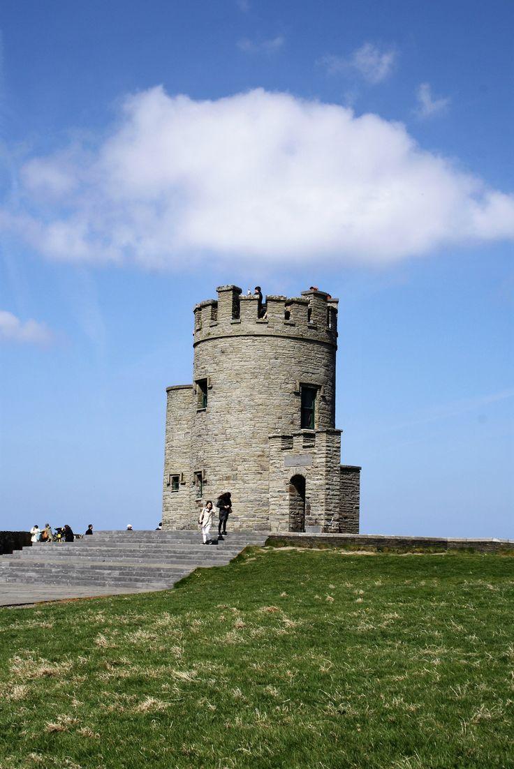 Torre O'Brien - Tour pelos Cliffs of Moher e Burren National Park na Irlanda - Blog Sabaticando em Dublin