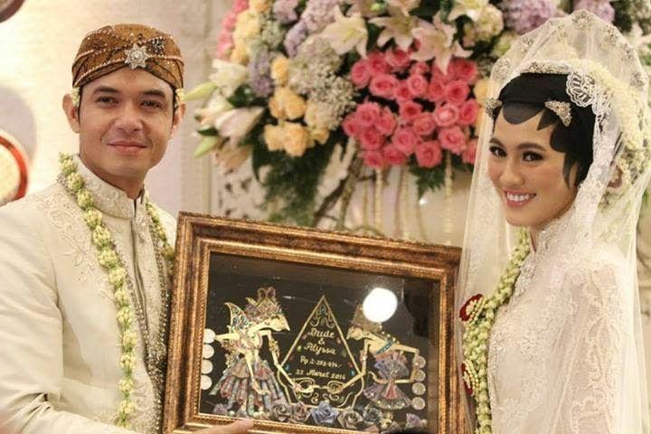 Souvenir dan Tas ST-2: Mahar Pernikahan