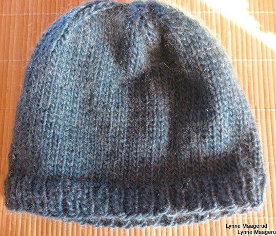 Handknitted hat in petrolblue wool and mohair by LynnesEbooks on Etsy