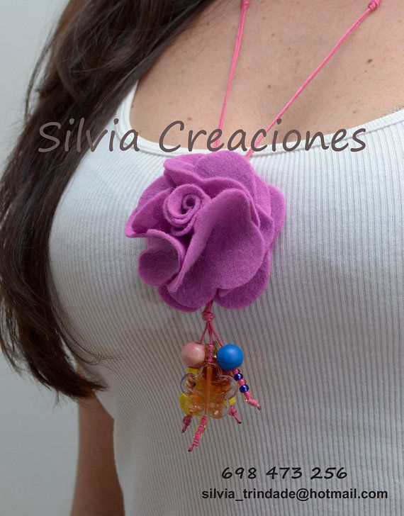 Collar Rosa de Fieltro/ Collar Colgante/Collar por SilviaCreaciones