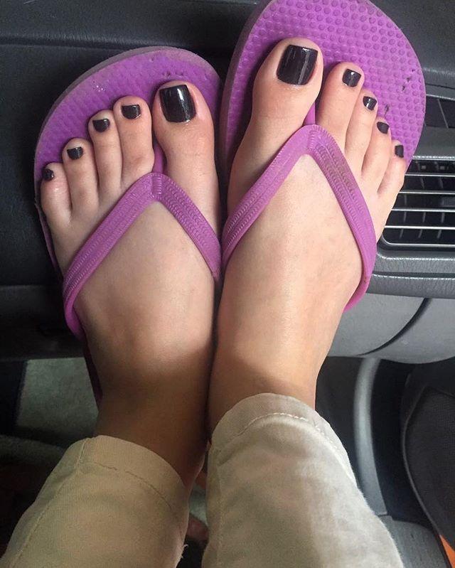 Perfect feet , very beautiful ❤ Foot model:  @myalefeet ↪↩ #feet #pies #pés #pieds #soles #prettyfeet #cutefeet #womensfeet #beautifulfeet #feetlove #sflovefeet #lovelyfeet #sexyfeet #perfectfeet #instafeet #pezinhos #instafeetlove #foot #nails #toes #cutetoes #footfetishnation #footmodel #teamprettyfeet #barefoot #pedicure #feetstagram #wrinkledsoles  sflovefeet