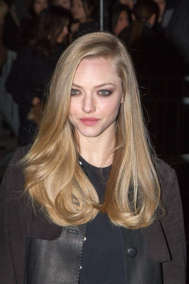 14 Best Haircuts for Spring 2013: long and one length– Amanda Seyfried