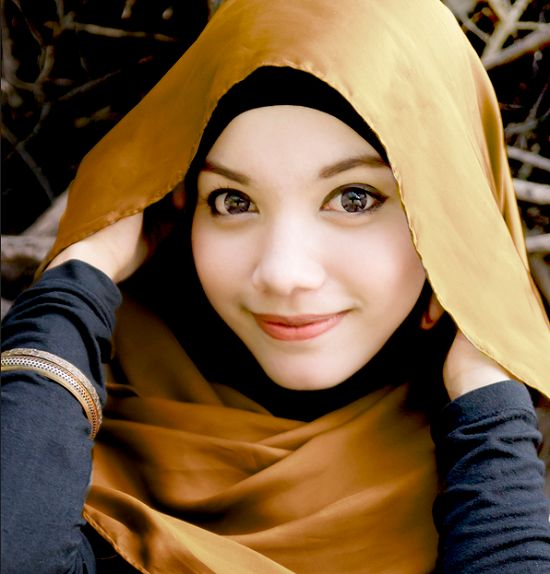 Golden Brown Hijab Trends 2013