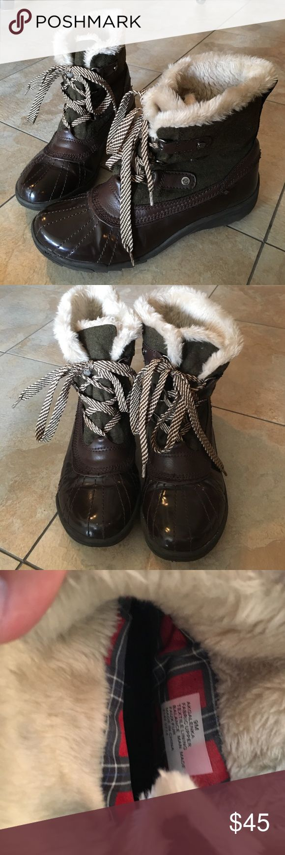 Anne Klein Sport snow boots Anne Klein Sport snow boots, brown with chevron shoe strings. Cream fur with red plaid interior. Great condition, only worn a handful of times! Anne Klein Shoes Winter & Rain Boots