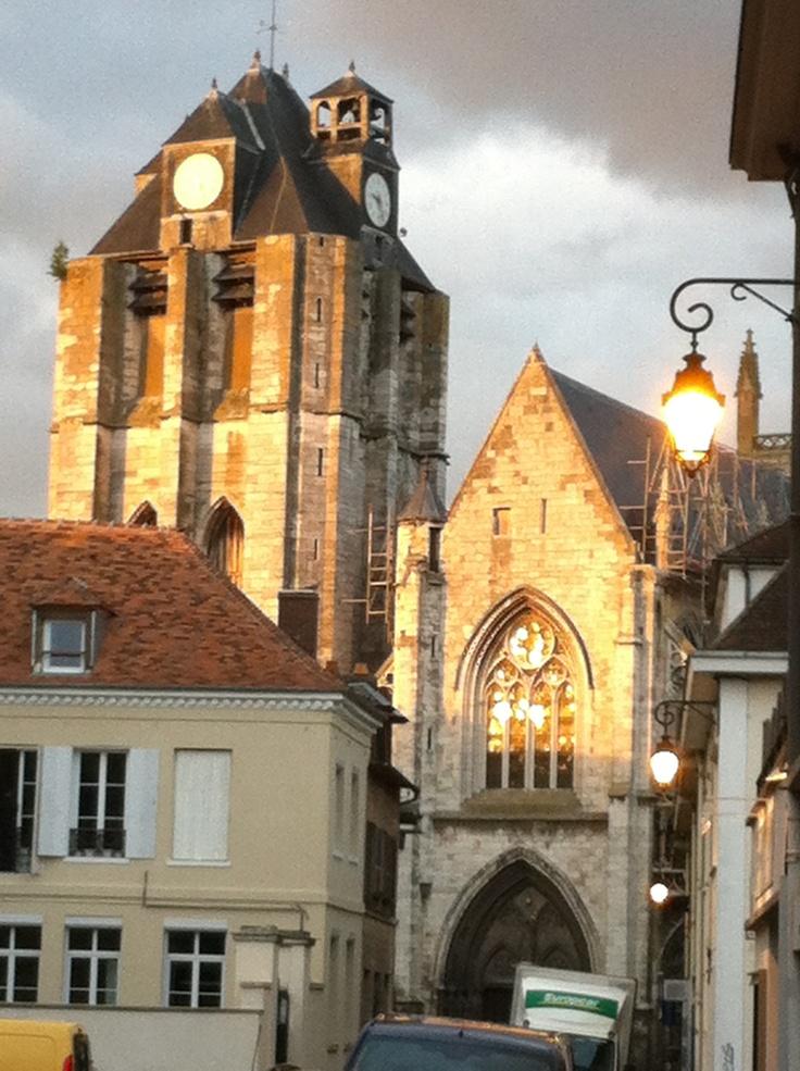 coucher de soleil sur l'église Notre-Dâme