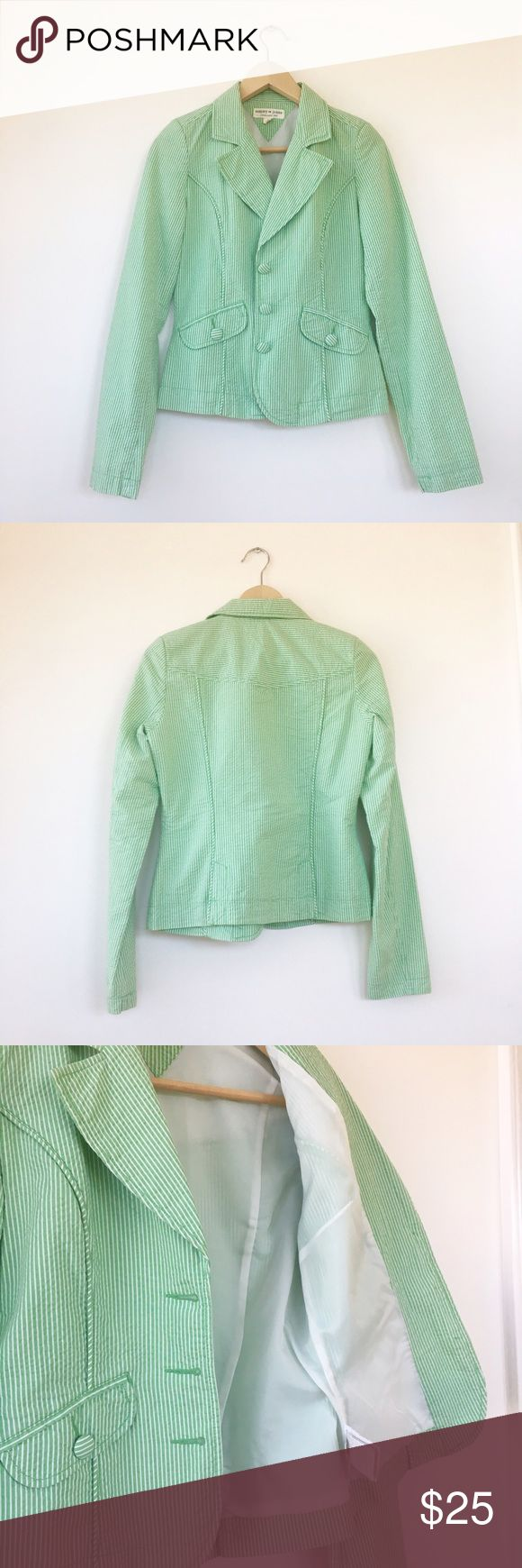 Tommy Hilfiger Striped Green Blazer A striped green blazer with cute matching buttons in excellent condition. Look put-together on a casual day or wear over a blouse for a fresh work look! 100% cotton and 100% polyester lining. Tommy Hilfiger Jackets & Coats Blazers