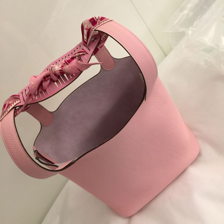 Hermes picotin lock 22 Rose Sakura With twilly & petit H bracelet in 5p pink, Turn into a shoulder bag.