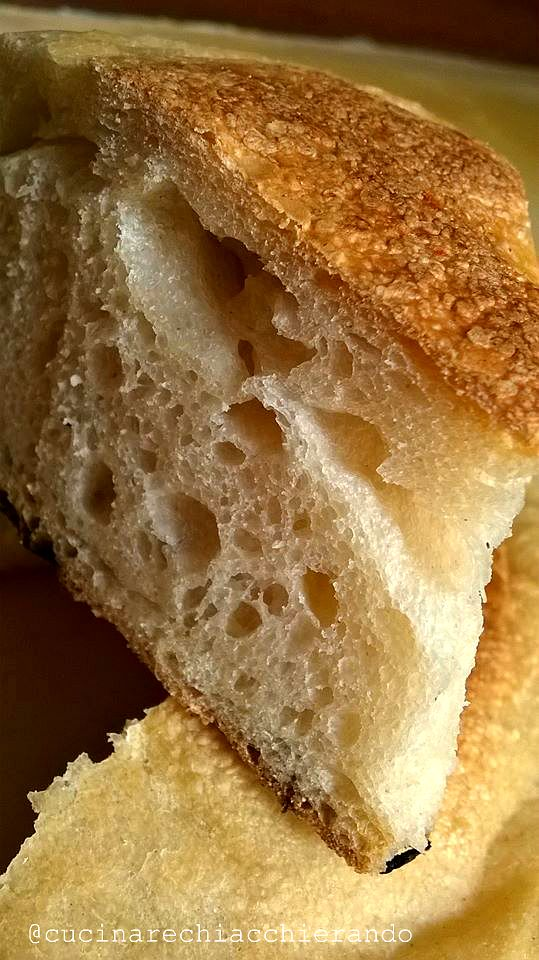 Il pane cotto in padella è veloce da fare e omodo se non si vuole (o non si può) accendere il forno. Il risultato vi sorprenderà