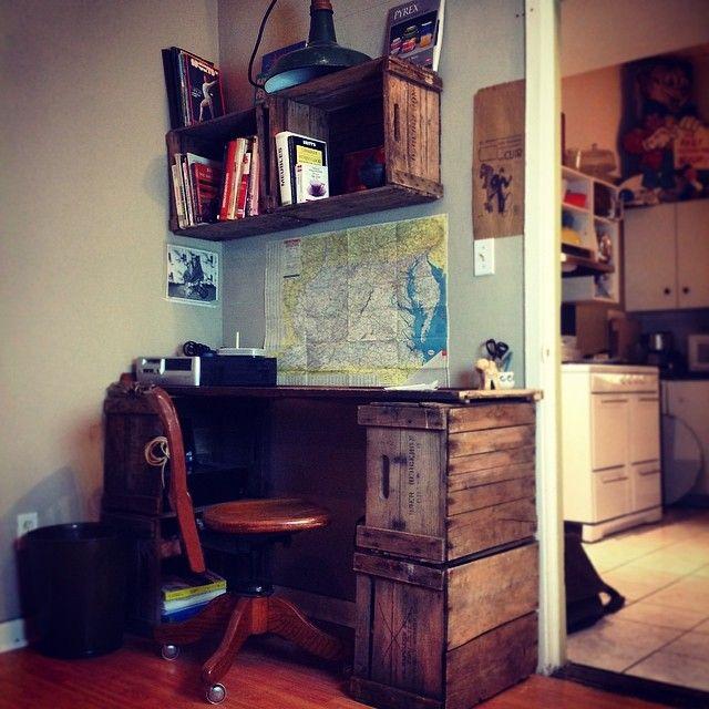 Bureau en caisse de pomme. https://www.facebook.com/RetroCite