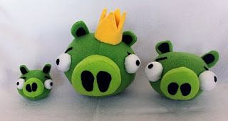 King Pig & friends; tutorial plush stuffies (Obsessively Stitching)