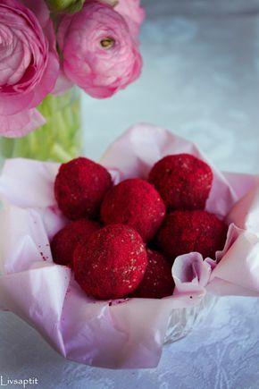 Hallonhavrebollar, Smarta sötsaker, Glutenfritt, Mjölkfritt, Recept, Livsaptit ///Hallonhavrebollar ca 25 st 2½ dl havregryn (eller boveteflingor) 1 dl cashewnötter 1 dl hallon (om frysta används ska de vara tinade och lätt avrunna) 6 färska dadlar utan kärna (60g) 1 nypa vaniljpulver Ev. ½ dl hallon- eller lingonpulver Gör så här: Mät upp samtliga ingredienser i en matberedare. Mixa till en jämn massa. Rulla till bollar och ställ i kylen att stelna något. Frivilligt: Rulla gärna bollarna i