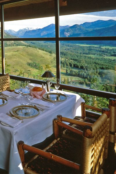 The stunning North Cascades is the star attraction of Sun Mountain Lodge in Washington. It's a #Fodors100 Hotel Awards winner in the Local Characters category.