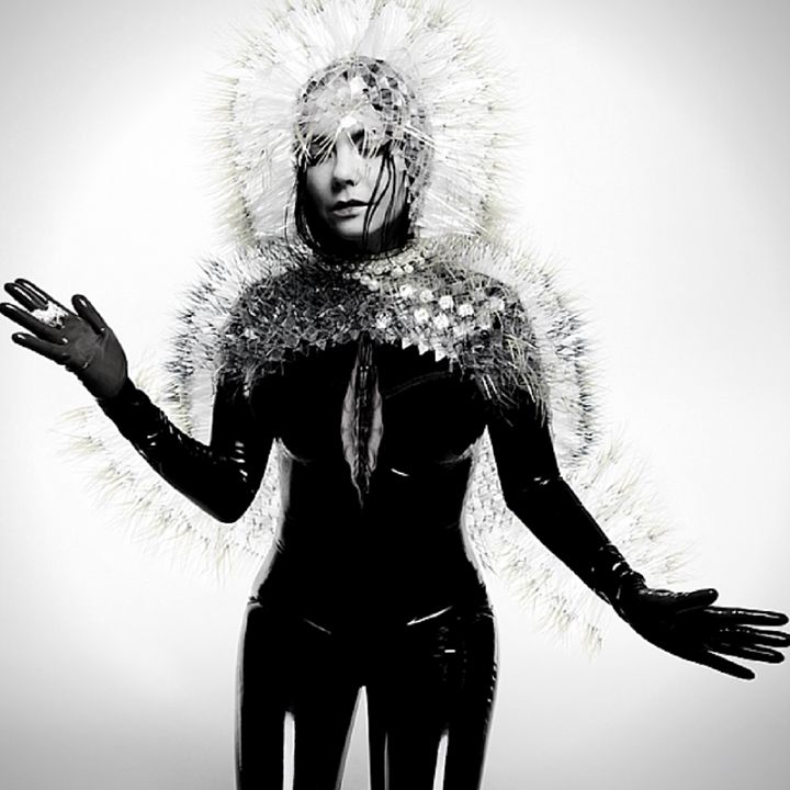 Björk: Usually when you see females in movies they feel like they have these metallic structures around them they are caged by male energy. #Björk #HumanNote #humannote