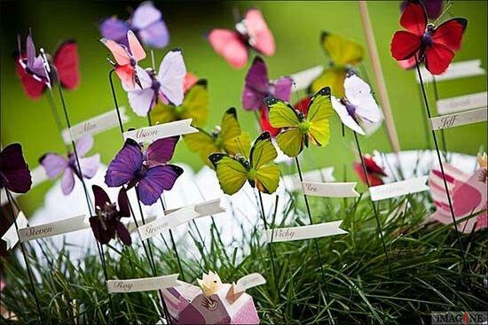 Tableau matrimonio con farfalle. Wedding seating chart with butterflies. Vuoi vedere altri tableau con farfalle? Vai su http://misposoamodomio.it/tableau-farfalle/