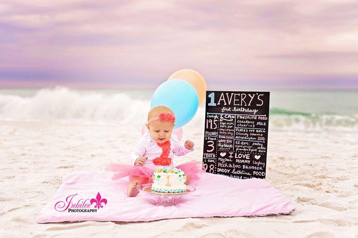 Cake Smash on the Beach Destin, Florida | 1 year old girl cake smash