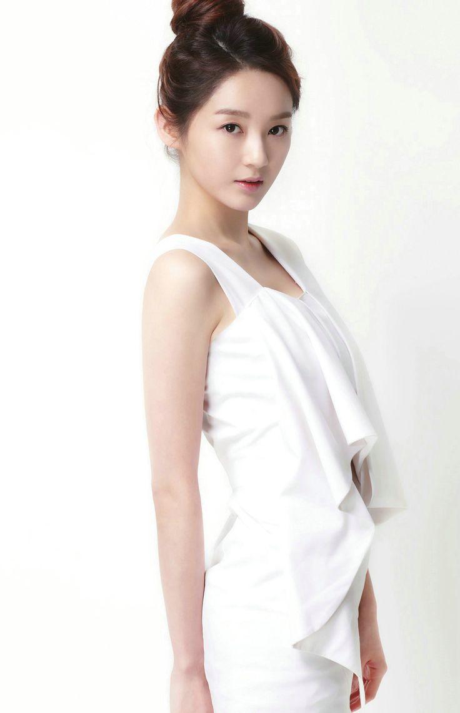 Kang Minkyung (1505×2336)
