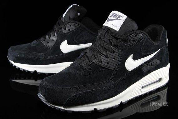 nike air max 90 essential black sail 2 570x381 Nike Air Max 90 Essential Suede Pack   Black
