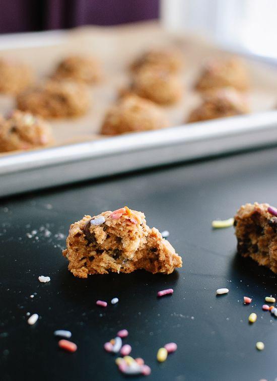 Peanut butter, banana and honey cookies (gluten free) - cookieandkate.com
