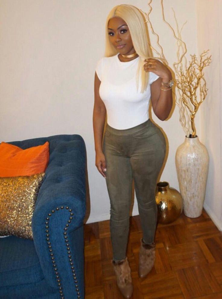Tina.colada Blonde hair club