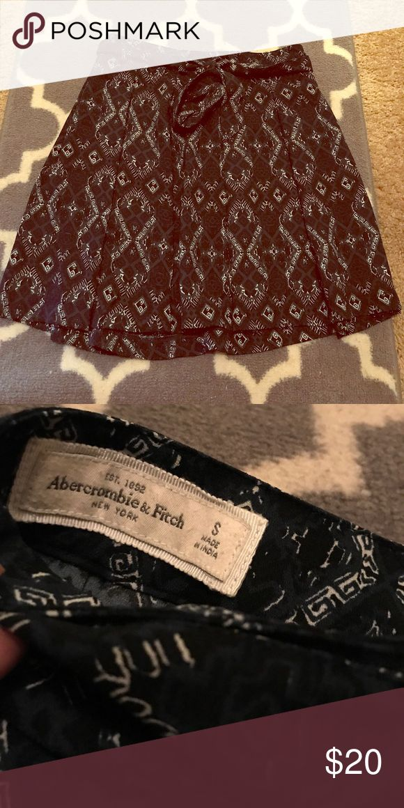 Abercrombie and fitch skirt sz small In great condition Abercrombie & Fitch Skirts