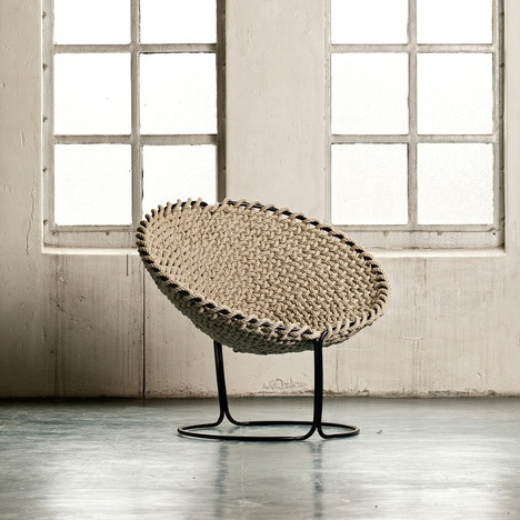 Femme Chair by Rik Ten Velden via mocoloco: Made of a single knotted rope.