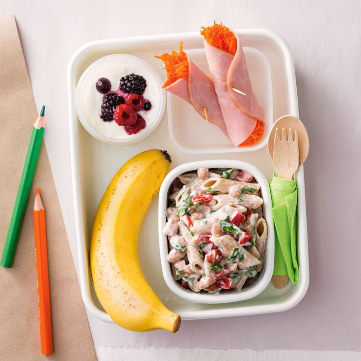 How to pack the perfect lunchbox for your kids - Pasta Salad + Snacks #Pasta #Salad #Snack #Lunch #Lunchobx #LunchboxIdeas #KidsLunch #FreshFoodKids
