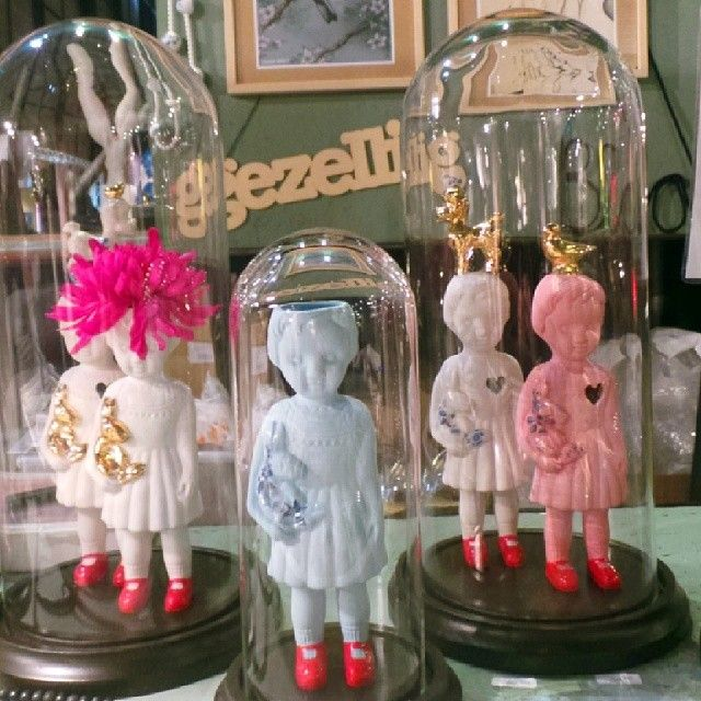 In looove with these lammers en lammers porcelain dolls, via Judith in Wonderland blog